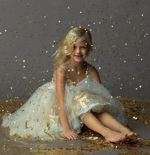 Every little girl should have a glitter photoshoot... Can't forget the glitter !!