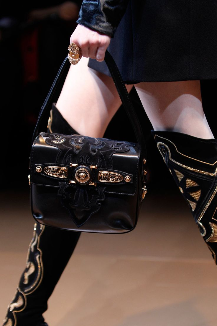new york shopping online Versace Fall 2014 Ready to Wear Collection Photos   Vogue