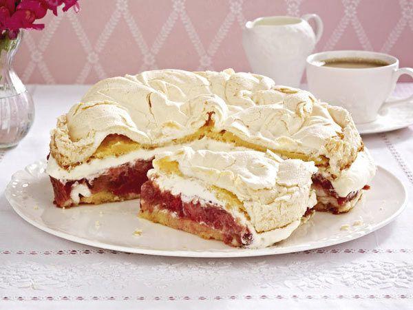 Rhabarbertorte – Rezepte für rosa Torten-Glück - erdbeer-rhabarber-torte