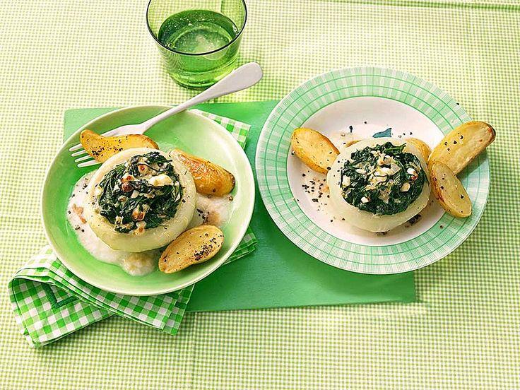 Gefüllter Kohlrabi mit Spinat, Schafskäse und Schalotten
