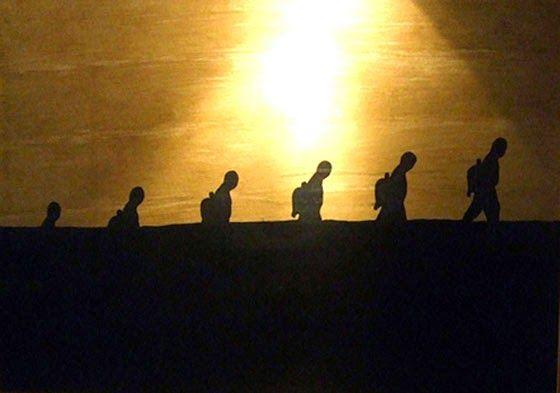 SINCRONIA: CAMINAR EN COMPAÑÍA Imagen: El extraño viaje... by Carlos Codoñer, técnica mixta sobre papel, 70x50 cm.