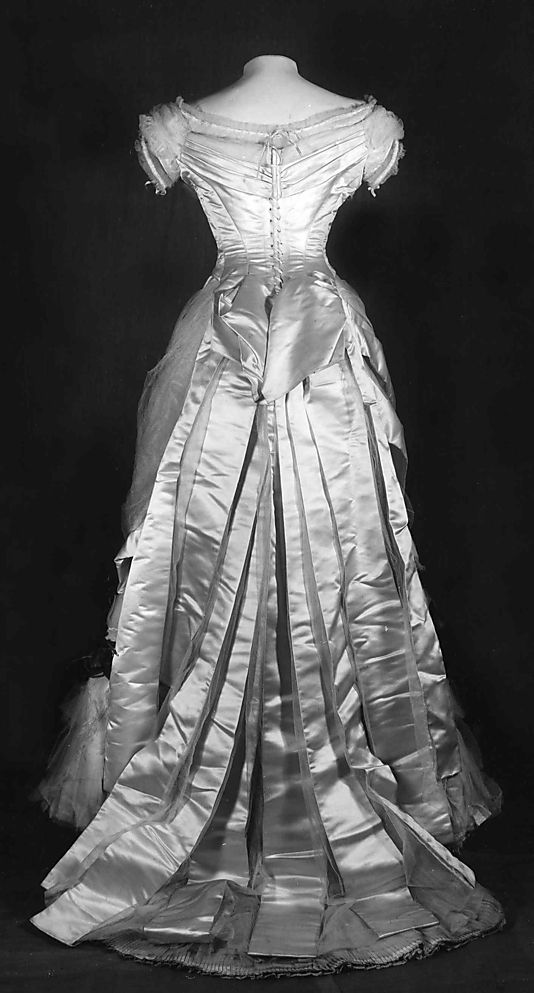 Modern photo of victorian dress evening dress back house of worth