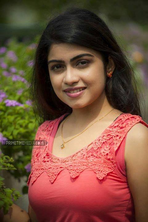 Manasa Radhakrishnan Entertainment 757livemovies
