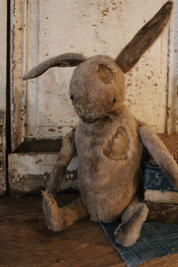 Cinnamon Creek~ rustic prim bunny