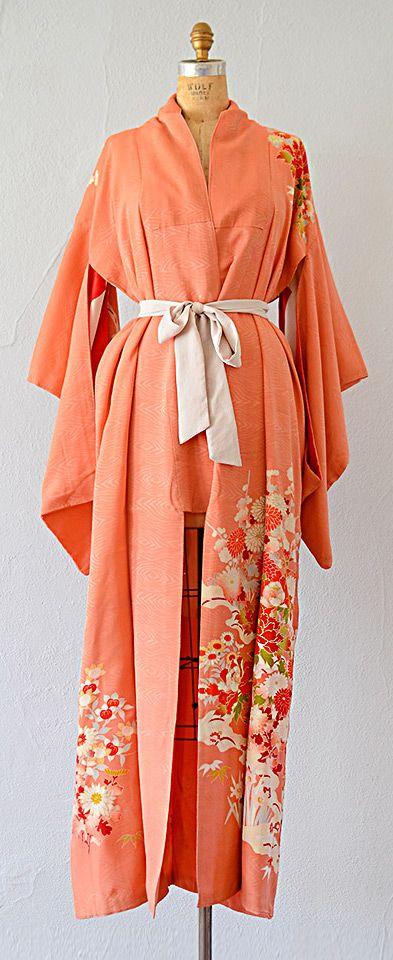 vintage huomongi Japanese kimono | vintage coral silk kimono robe #vintagekimono #kimono #silkkimono