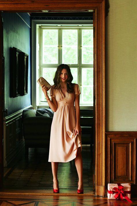 Burda Kleid mit V-Ausschnitt und Flügelärmel 12/2011 #107 hier findet ihr den Schnitt http://www.burdastyle.de/burda-style/schnitte-heft/kleid-fluegelaermel-v-ausschnitt-dezember-2011_pid_834_6621.html