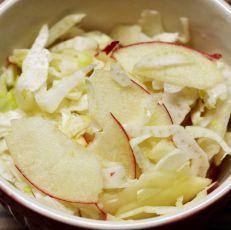 Rychlý fenyklový salát s jablkem