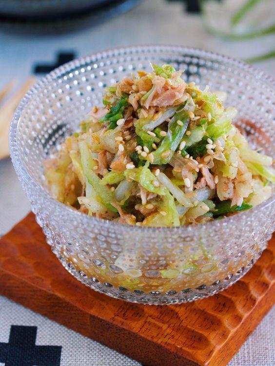 これは危険!無限に食べれる♪『白菜とツナのおかかポン酢あえ』 by Yuu / 白菜1/4株が瞬殺でなくなる激ウマ副菜♡白菜を調味料でモミモミしたらあとは、ツナ缶+かつお節+ポン酢で和えるだけ。旨味はたっぷり、あと味はさっぱりで抱えて食べたくなること間違いなしですよ( ´艸`)★フォローやクリップ、そしてメダル送付、ありがとうございます♪励みになっております( ´艸`)★ / Nadia