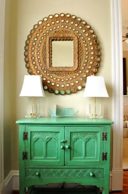 want peacock mirror!Decor, Ideas, Colors Combos, Entry Way, Entry Tables, Mint Green, Painting Furniture, Martha Stewart, Entryway