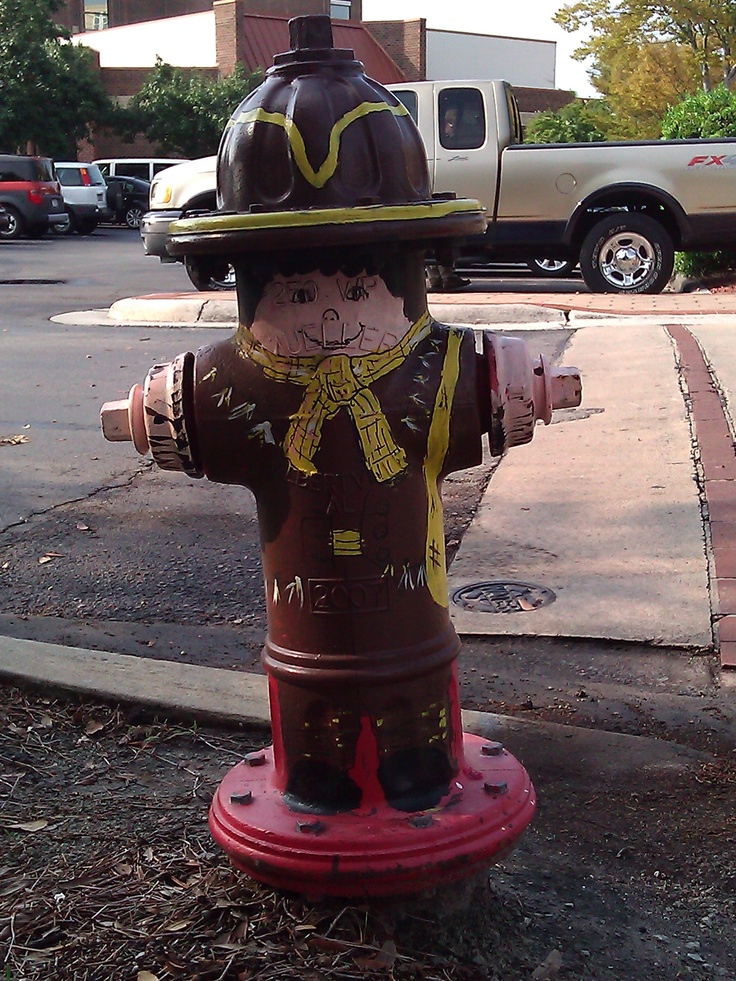 I painted this fire hydrant (The Hunter)in conjuction with the 300th anniversary of New Bern NC.  Until itis repainted by the Fire Dept., it sits proudly by The Hilton Hotel!