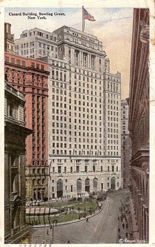 Vintage postcard. Cunard Building. Bowling Green, New York.