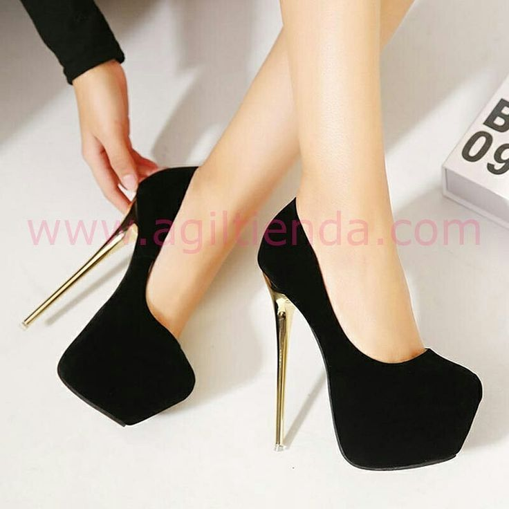 #Originales #taconazos #negros o #rojos para #mujer con #estilo y #tendencia #chic, #altos y #comodos que #estilizan nuestra figura con su gran #plataforma y #tacón de 16 cm color #oro para #complementar un #look sexy y sofisticado en todas nuestras #fiestas o #eventos . Encuentralos en #Zapatos de http://www.agiltienda.com/es/home/2443-zapatos-elegantes-tacon.html #shop #online #taradell @agiltienda.es