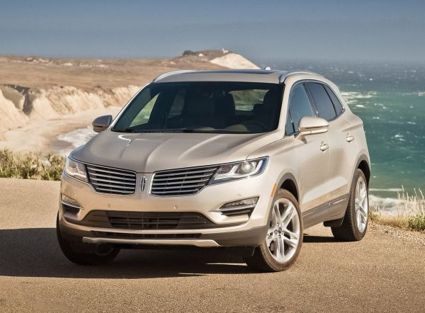 http://releasedatereview.com/2016-lincoln-mkc-review-and-specs/ For many years Lincoln was in problems but with delivery of 2016 Lincoln MKC and similar models this car maker is becoming serious competitor on the market. This premium utility vehicle will be carryover since it was redesigned for the 2015th year model and we do not expect to see many changes.