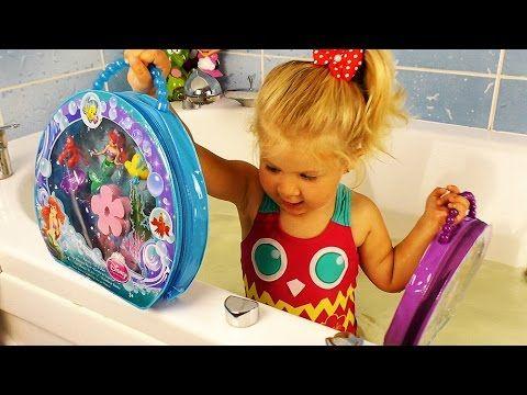 ✿  Принцессы АРИЭЛЬ и РАПУНЦЕЛЬ в Ванной Принцесса Диснея Disney Princess Play surprise Toys Игры    {{AutoHashTags}}