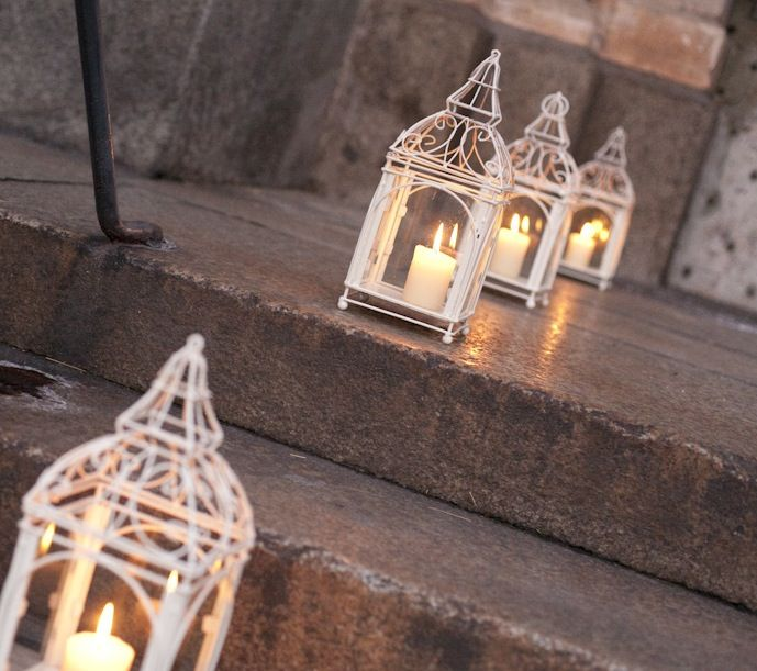 www.italianfelicity.com #weddinginitaly #stairs #lanterns