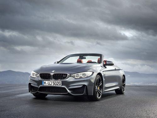BMW M4 Cabrio: Grandi emozioni a tutto cielo   La nuova BMW M4 Cabrio coniuga alte prestazioni al tipico piacere di viaggiare open air inoltre, grazie all'impiego esteso della fibra di carbonio, fa segnare un peso inferiore alla progenitrice M3 convertibile. Infine, il tetto metallico tripartito trasforma la vettura, nel giro di appena 20 s...