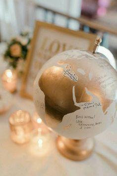 Hand Painted Globe Hochzeit-Gästebuch von WholeWorldOfLove auf Etsy
