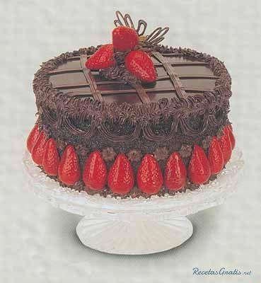 Aprende a preparar pastel/queque perfecto de chocolate con esta rica y fácil receta. Mescle cocoa y el agua hirviendo y dejar enfriar, combinar mantequilla, azucar,...