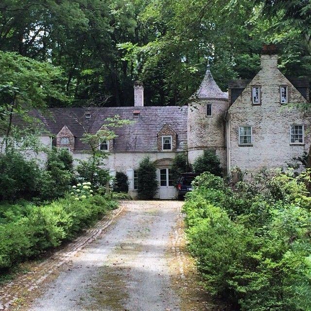 An oh so Pennsylvanian style Shutze house ala Mellor Meigs and Howe.