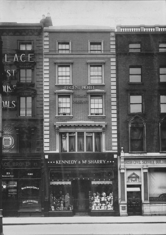 24 Westmoreland Street, alterations by G. & T. Crampton for Kennedy & McSharry, a men's clothes shop, in 1929.