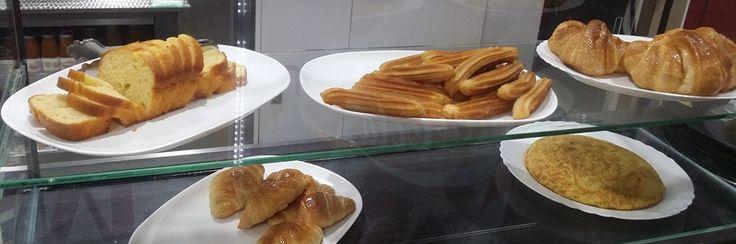 ¿Quieres disfrutar de un desayuno 10? Pásate por aquí y disfruta de nuestra oferta especial para desayunos. Mañana ya tienes un lugar donde poder tomar tu café y comer lo que te apetezca.