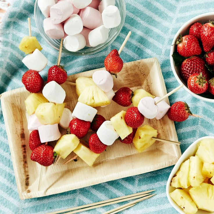 Hedelmävartaat | K-ruoka #vappu #piknik