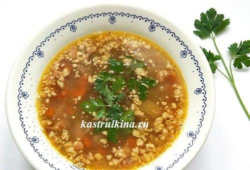 Необычный постный суп - с фасолью и орехами. Много белка, вкусно и сытно.