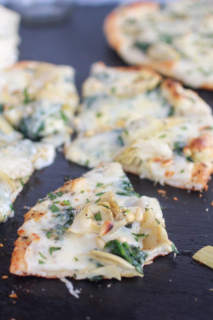 Ingredientes 1 libra de masa de la pizza de Aceite de oliva 1/4 taza 3 dientes de ajo Grandes, picados 1 cucharada de jugo de limón fresco 1 c ...