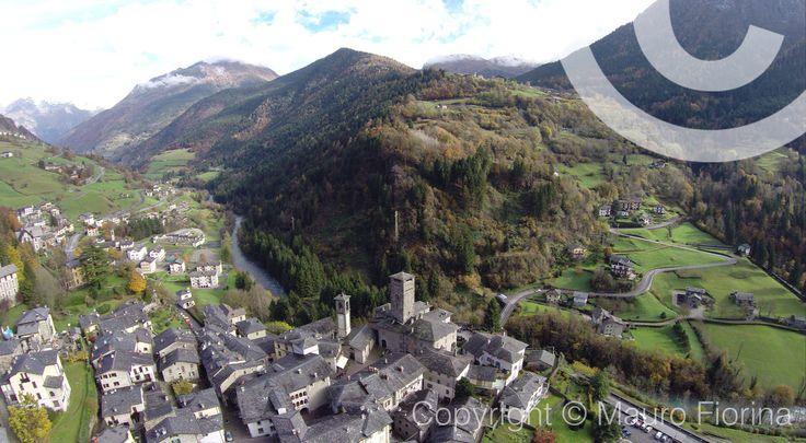 I colori dell'autunno Foglie secche e neve sui monti #Gromo #Valleseriana #orobie
