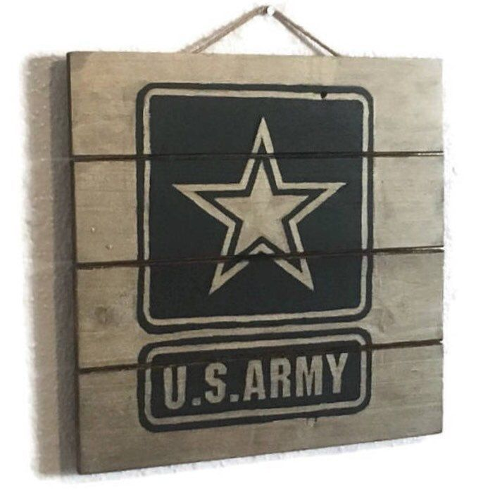 Army wood pallet sign available now! Grab this military home decor while you can! Great for your bootcamp graduate!