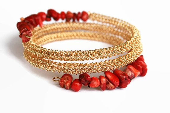Easy to wear and eyecatching wrap bracelet.  * This bracelet is crocheted by hand with a tiny #crochet hook and fine wire. Red coral chip beads are decorating it.  * Coral i... #handmade #jewelry #boho #etsy #epiconetsy #shopping #shopsmall #jewelryonetsy #etsyseller #armlet