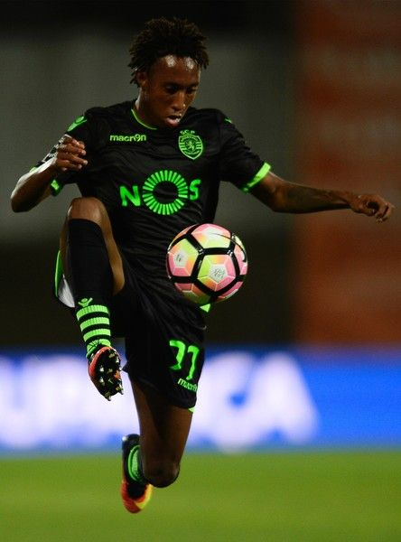 Sporting's forward Gelson Martins controls the ball during the Portuguese league…