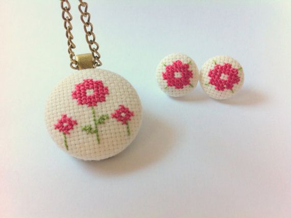 Floral embroidered pendant  floral embroidered by Gluckhandmade, €25.00