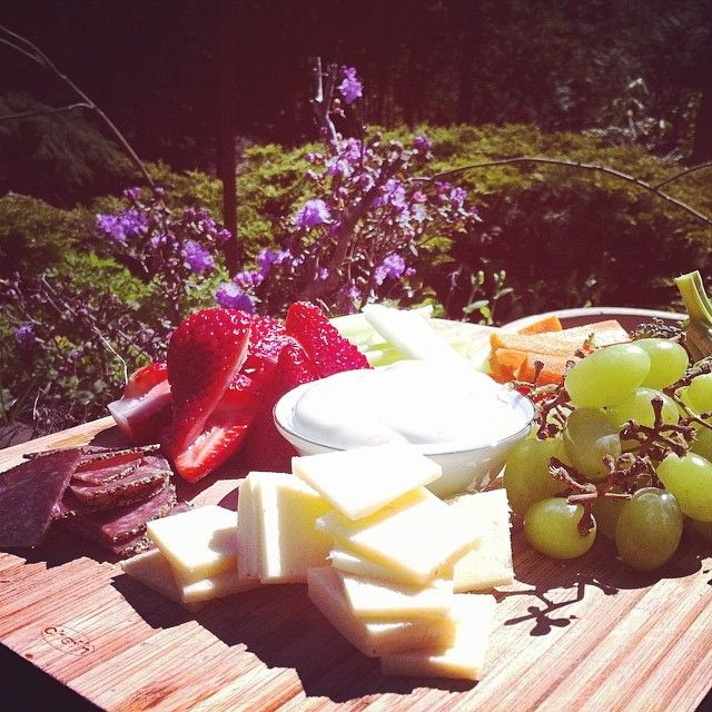 Can't get Enuff of our spring picnic lunch. #simplepleasures #cdncheese easy and light