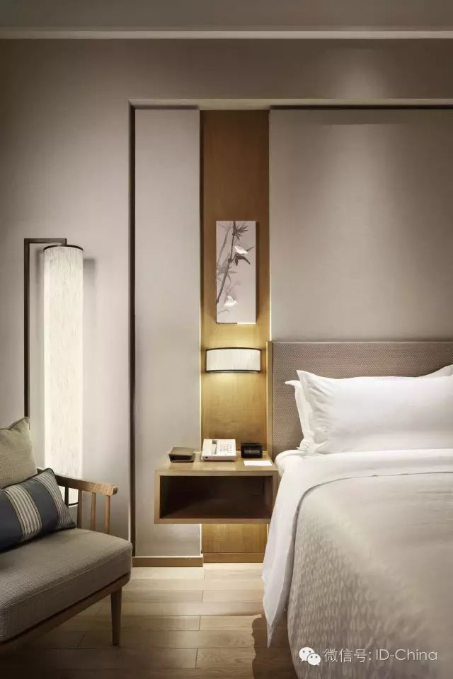 Storage & lighting beautifully done in this hotel room #tallonperryinteriors