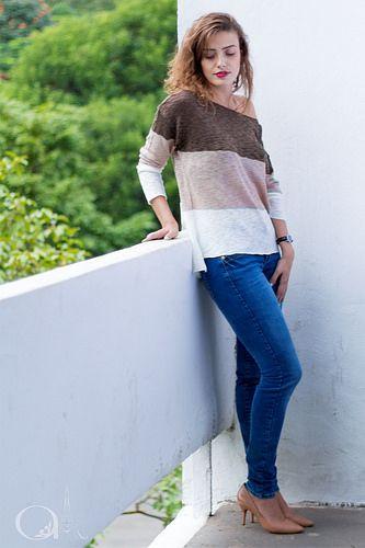 Armonie Store - Atemproal  Suéter gola canoa +jeans   #estiloarmonie #armáriocápsula #estiloatemporal #peçasimortais #armáriosazonal #besimple #capsulewardobe #minimal #basicstyle #suéter #golacanoa