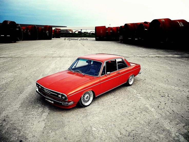 Audi 100 like can I have this in black