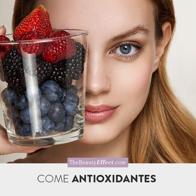 Comer antioxidantes es básico para tener buena salud y piel bonita, les contamos los mejores alimentos para obtenerlos. >>> http://bit.ly/2qTH4cx