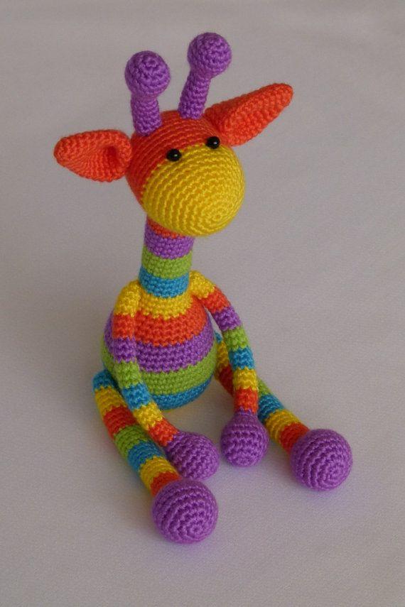 jirafa de arco iris amigurumi crochet juguete por JoyToysbyTatiana