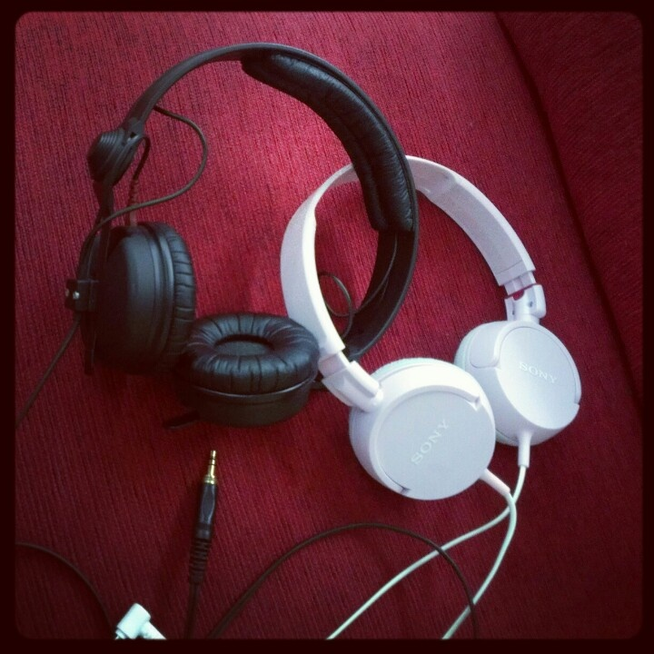 Headphone brothers