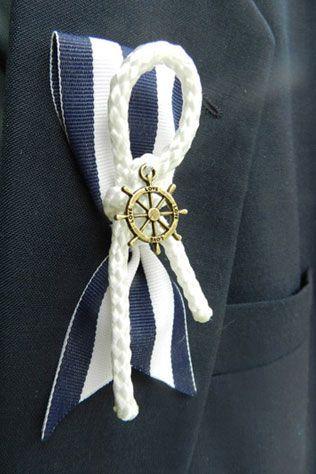 морская свадьба, бутоньерка жениха со штурвалом