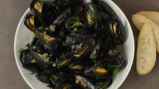 Moules Marinière | Mussels Mariniere Recipe Preview | Rouxbe Cooking School