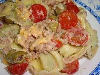 Salada de tortellini com atum, tomates cherry e azeitonas, Receita Petitchef