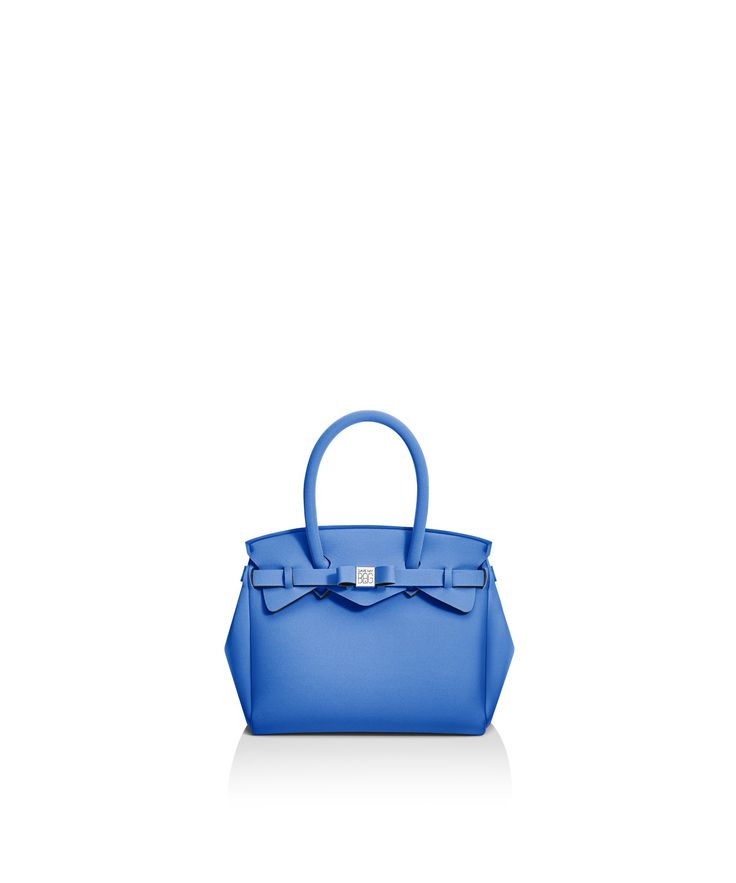 Petite Miss is the small version of the iconic Miss Bag, the Save My Bag best seller.   lightweight rain proof hand wash Size 260 x 230 x 130 mm  210g  Made in Italy  Vegan Friendly  Made from Poly-Lycra Fabric   Sapphire Blue