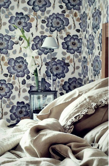 Wallpaper - big prints Trending now // repinned by jillscheintal.com/ MRealty, Portland Oregon