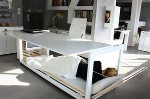 Le bureau-lit. Admirable invention. Crédit: Studio de design NL.