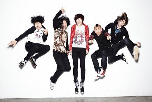 Korean Superstar Rock Band YB - Acoustic Version of Newest Video! | Splash Magazines | Los Angeles