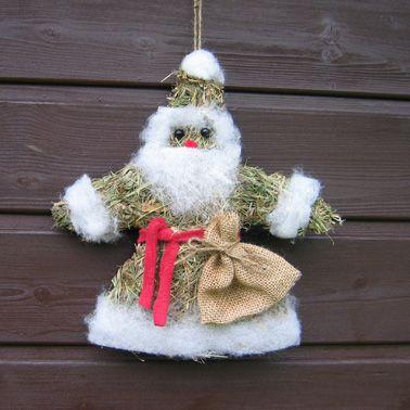 Weihnachtsmann aus Heu