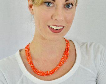 Regalo naranja y blanco collar de Dama de por StephanieMartinCo