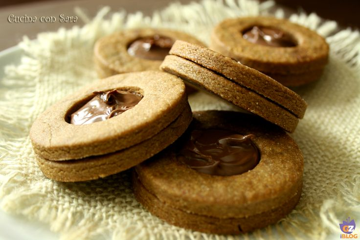 Biscotti occhi di bue caffè e nutella